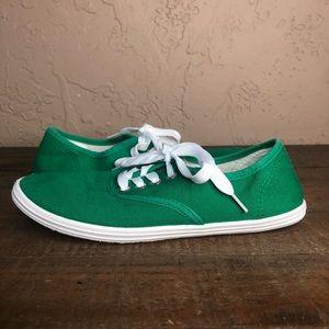 Women Kelly Green Sneakers on Poshmark